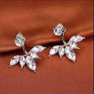 🏈 3/$15 | Rhinestone Wing Earrings